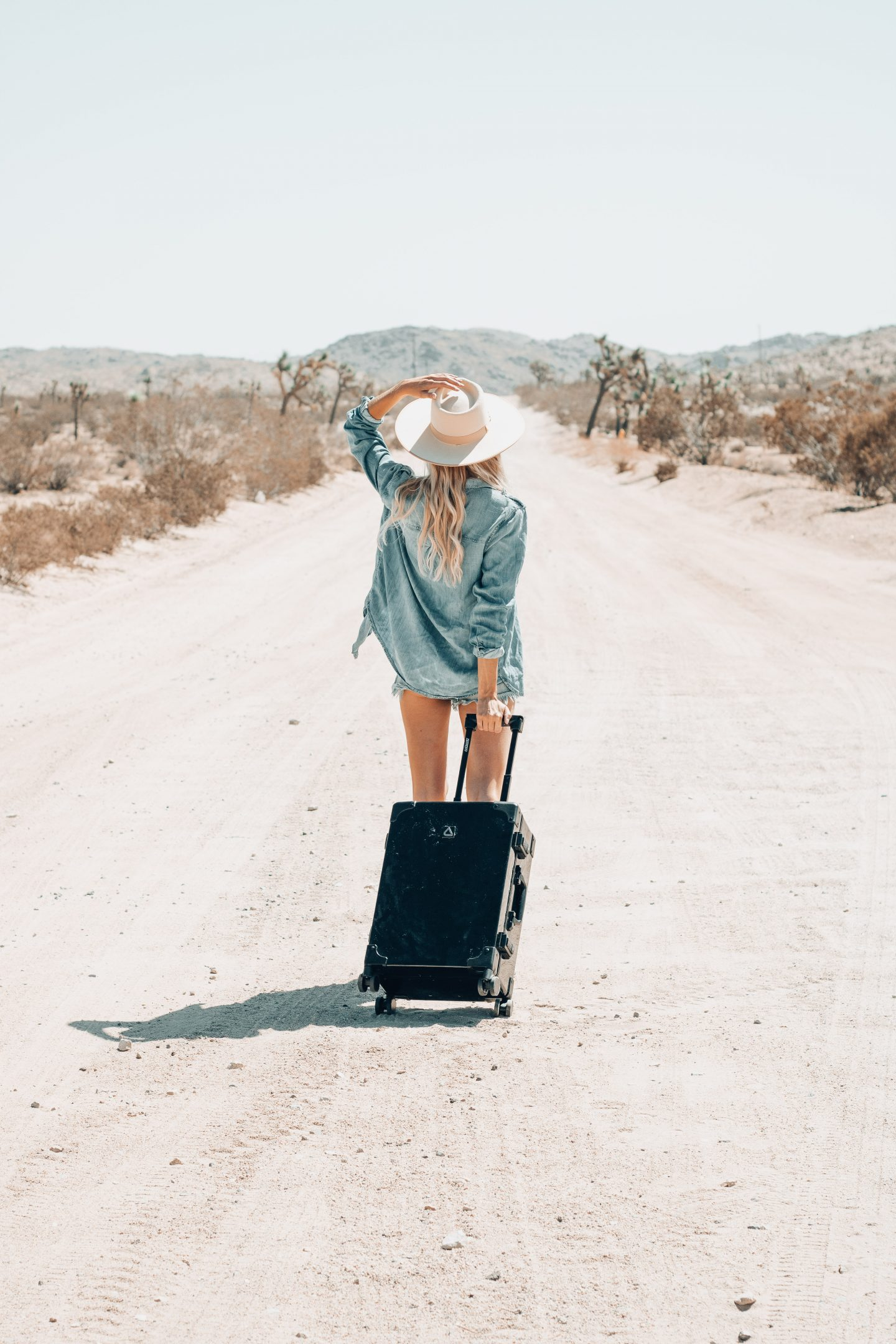 What Beauty Products To Pack When Traveling + Andiamo Luggage
