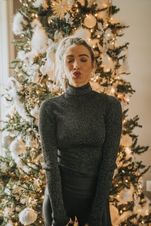 Sparkle Slim Fit Turtle NeckHoliday Looks | Holiday Style